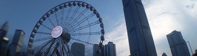 格下げによる今後の経済的影響が懸念される(写真:『香港ポスト』)